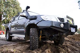Nissan Patrol T-Van Ron & Viv Moon